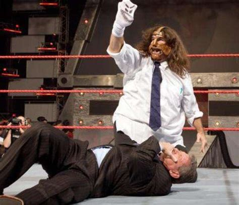 Page 9 - 10 most dramatic WWE moves