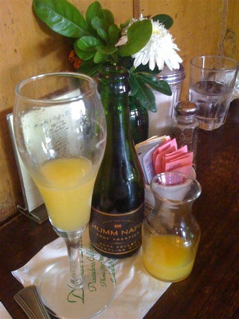 MONDAY brunch mimosa! I doesn't get much better than that