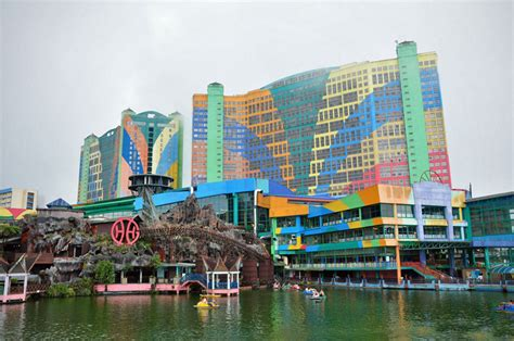 First World Hotel, the world largest hotel by room counts