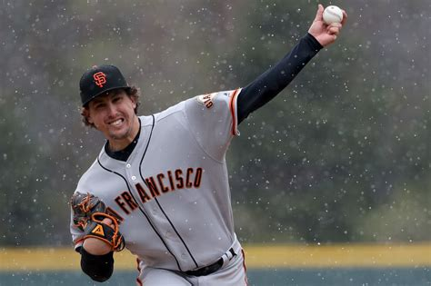 Chicago Cubs: Cubs acquire Derek Holland to add lefty depth